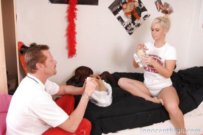 Pretty blonde teen Taralynn Foxx likes to give deep blowjob