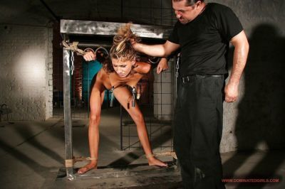 Submissive babe Amanda Vamp gets roughly dominated and banged