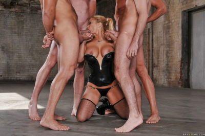 MILF babe horny for groupsex Shyla Stylez fucks four big cocks